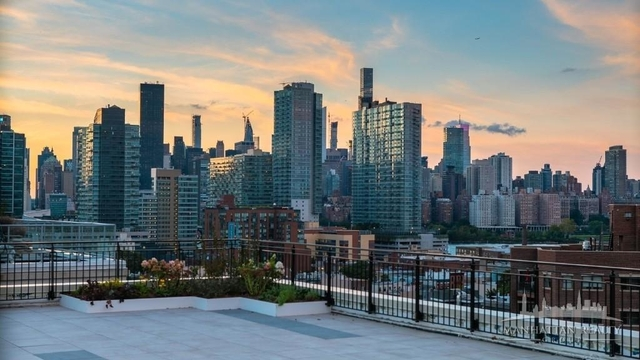 3 Bedrooms, Hunters Point Rental in NYC for $4,380 - Photo 2