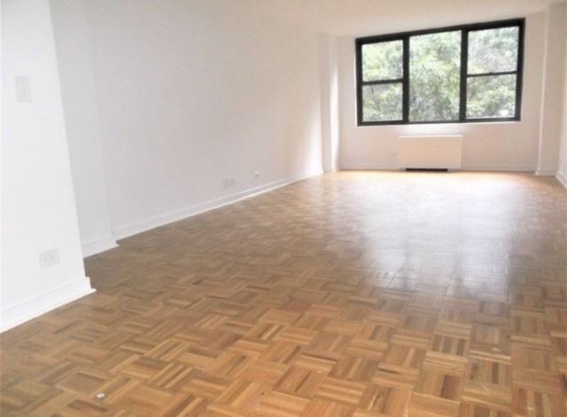 1 Bedroom, Turtle Bay Rental in NYC for $3,925 - Photo 2