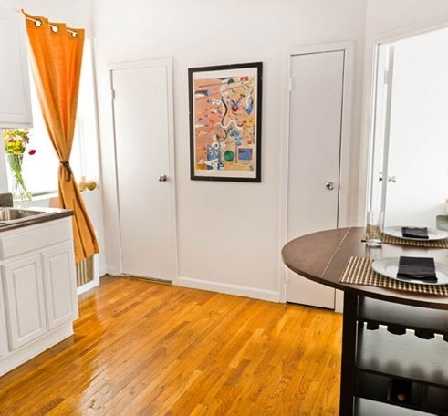 3 Bedrooms, Lincoln Square Rental in NYC for $3,100 - Photo 2