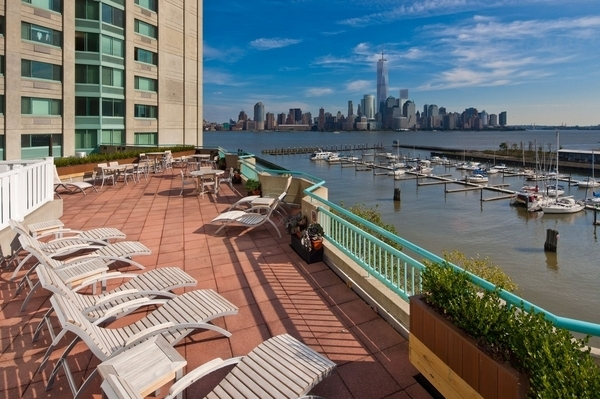 1 Bedroom, Newport Rental in NYC for $2,930 - Photo 1