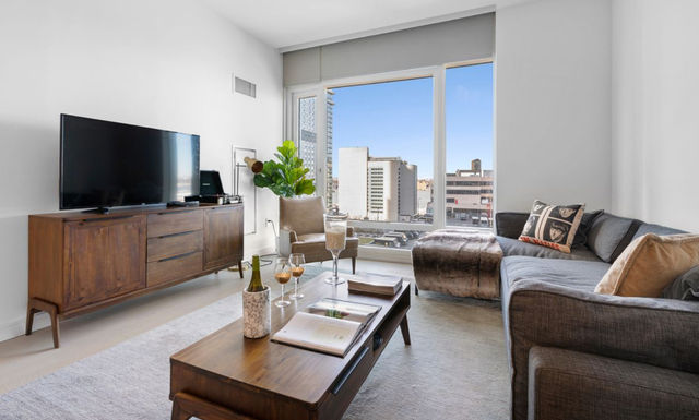 1 Bedroom, Hell's Kitchen Rental in NYC for $4,550 - Photo 1