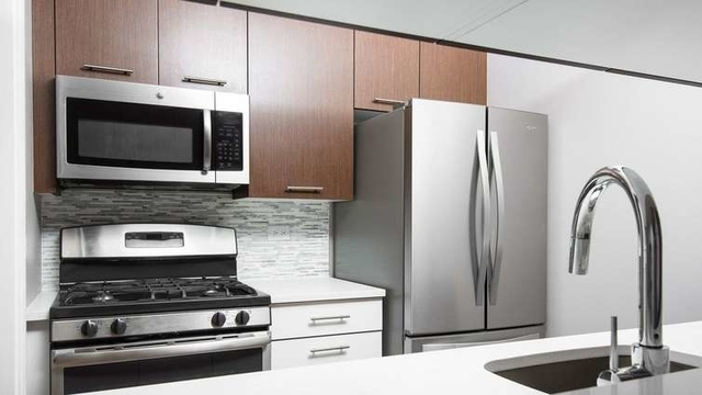 2 Bedrooms, East Harlem Rental in NYC for $5,040 - Photo 2