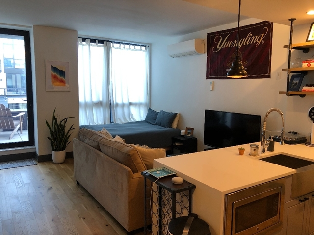 Studio, Greenpoint Rental in NYC for $2,717 - Photo 2