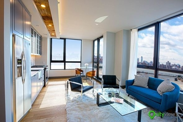 2 Bedrooms, Greenpoint Rental in NYC for $4,850 - Photo 1