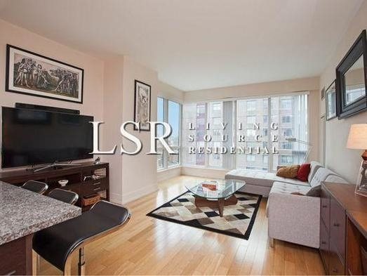 2 Bedrooms, Financial District Rental in NYC for $3,305 - Photo 1