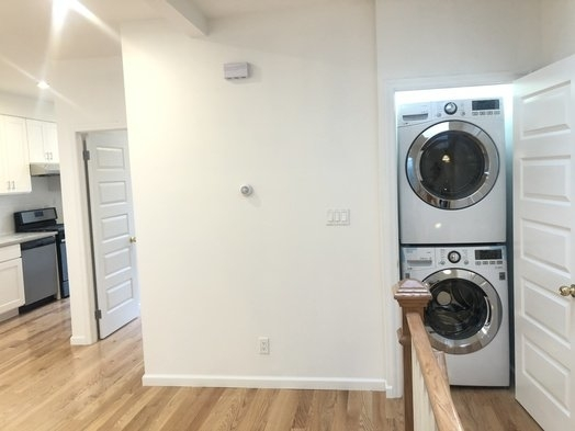 2 Bedrooms, Sunset Park Rental in NYC for $2,699 - Photo 2