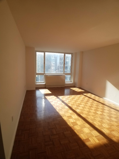 1 Bedroom, Hell's Kitchen Rental in NYC for $3,415 - Photo 1