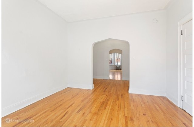 2 Bedrooms, Ridgewood Rental in NYC for $2,300 - Photo 2