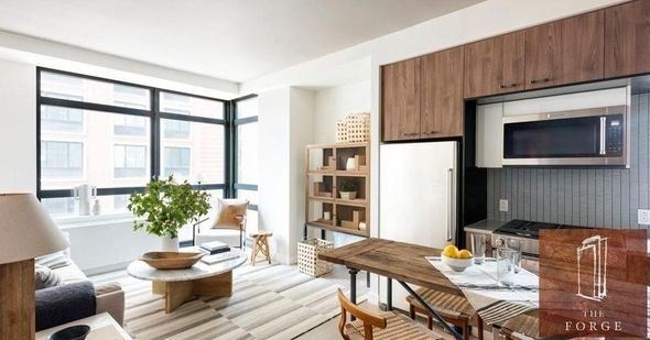 1 Bedroom, Long Island City Rental in NYC for $4,334 - Photo 2