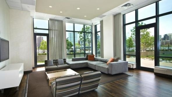 Studio, Hunters Point Rental in NYC for $2,575 - Photo 1