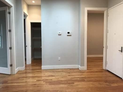 4 Bedrooms, Ridgewood Rental in NYC for $3,000 - Photo 2
