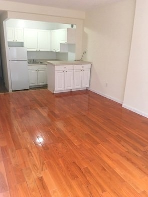 Studio, Rose Hill Rental in NYC for $2,305 - Photo 2