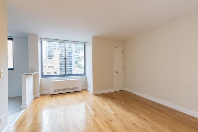 Studio, Theater District Rental in NYC for $2,819 - Photo 2