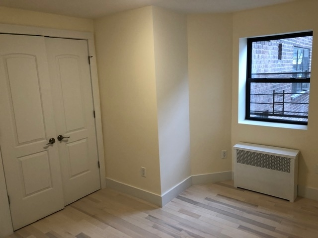 2 Bedrooms, Brighton Beach Rental in NYC for $2,300 - Photo 2