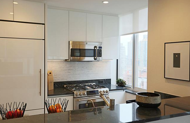 1 Bedroom, Lincoln Square Rental in NYC for $5,125 - Photo 2