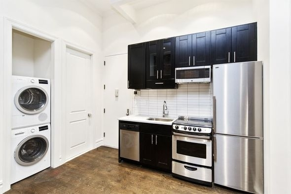1 Bedroom, East Village Rental in NYC for $4,400 - Photo 2
