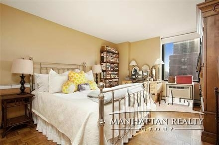 2 Bedrooms, Yorkville Rental in NYC for $3,900 - Photo 2