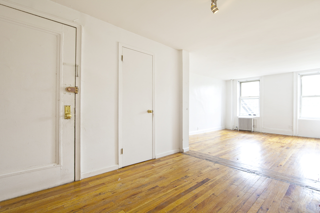1 Bedroom, Alphabet City Rental in NYC for $3,695 - Photo 2