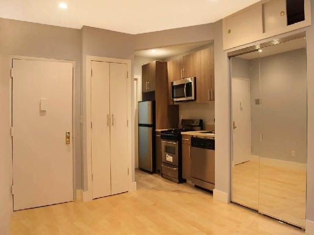 Studio, Bowery Rental in NYC for $2,220 - Photo 2