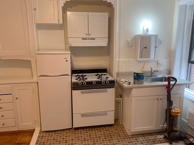 Studio, Hell's Kitchen Rental in NYC for $1,775 - Photo 2