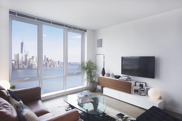 3 Bedrooms, Newport Rental in NYC for $5,998 - Photo 1
