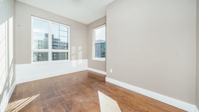 1 Bedroom, Greenpoint Rental in NYC for $3,300 - Photo 2