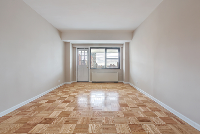 2 Bedrooms, Yorkville Rental in NYC for $5,257 - Photo 1