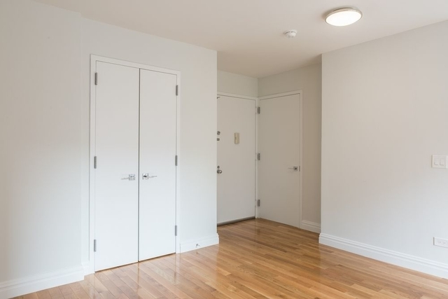 Studio, Theater District Rental in NYC for $2,981 - Photo 2