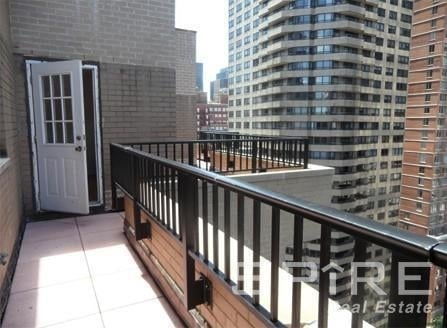3 Bedrooms, Turtle Bay Rental in NYC for $5,900 - Photo 1