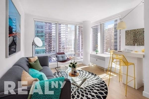 2 Bedrooms, Murray Hill Rental in NYC for $5,912 - Photo 2