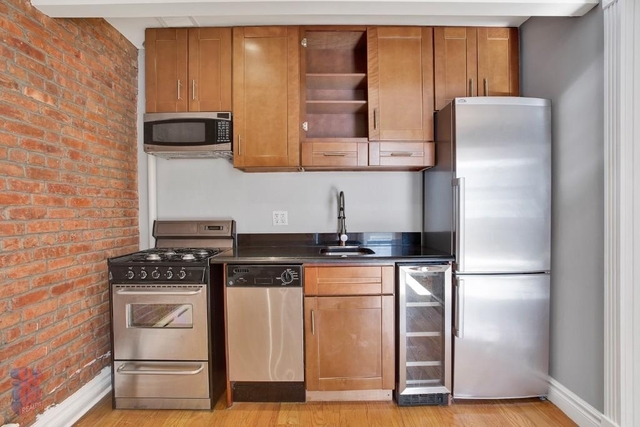 3 Bedrooms, East Village Rental in NYC for $5,453 - Photo 2