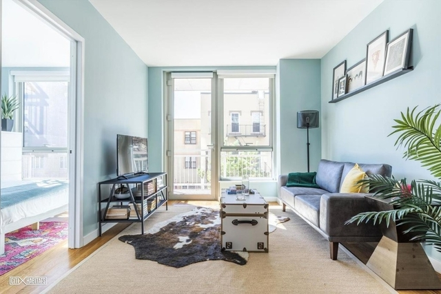 2 Bedrooms, Greenpoint Rental in NYC for $4,315 - Photo 1