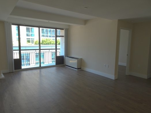 1 Bedroom, Yorkville Rental in NYC for $3,047 - Photo 2