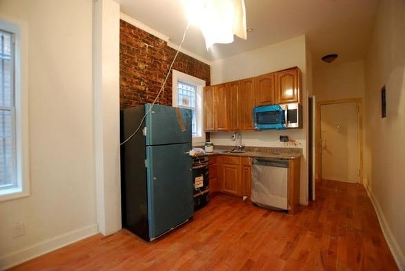 1 Bedroom, Weeksville Rental in NYC for $1,625 - Photo 2