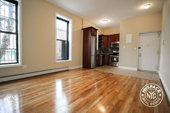 1 Bedroom, Bedford-Stuyvesant Rental in NYC for $1,995 - Photo 2