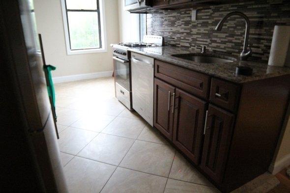 1 Bedroom, Bedford-Stuyvesant Rental in NYC for $1,850 - Photo 2