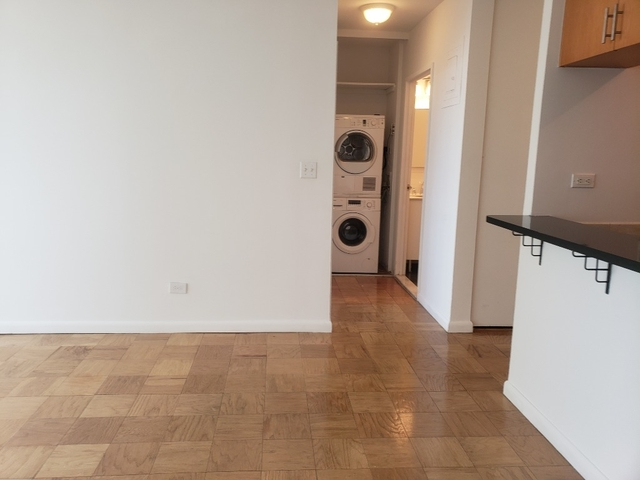 3 Bedrooms, Lenox Hill Rental in NYC for $6,800 - Photo 2