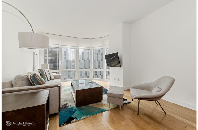 at 555 West 59th St - Photo 1
