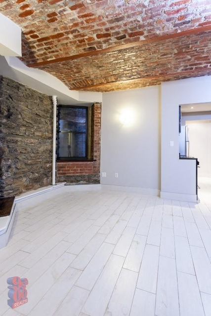 2 Bedrooms, Gramercy Park Rental in NYC for $4,334 - Photo 2