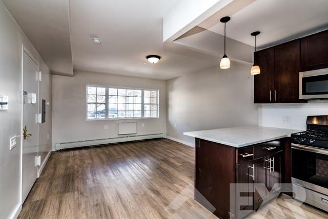 3 Bedrooms, Arverne Rental in NYC for $2,400 - Photo 1