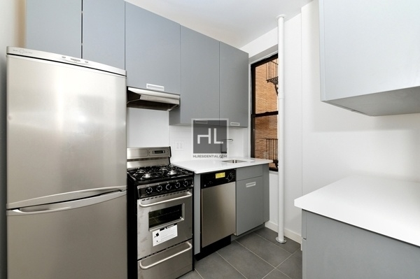 2 Bedrooms, West New York Rental in NYC for $4,895 - Photo 2