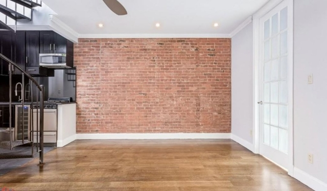 4 Bedrooms, Hell's Kitchen Rental in NYC for $6,450 - Photo 2