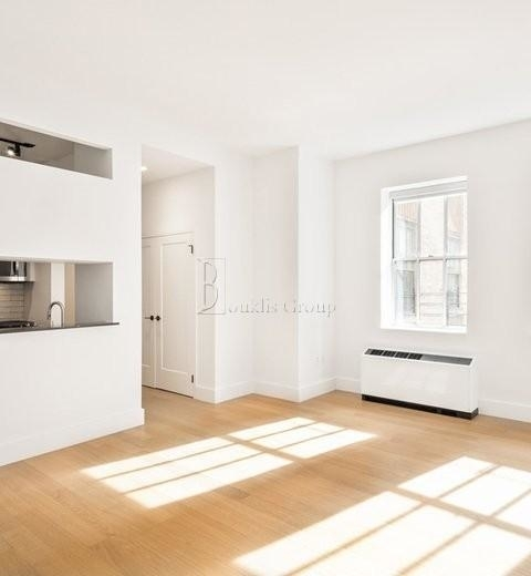 2 Bedrooms, Financial District Rental in NYC for $3,250 - Photo 2