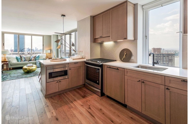 2 Bedrooms, Hell's Kitchen Rental in NYC for $5,666 - Photo 2