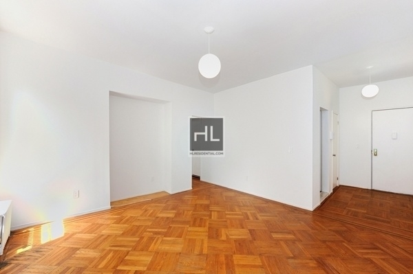 2 Bedrooms, West New York Rental in NYC for $4,895 - Photo 1