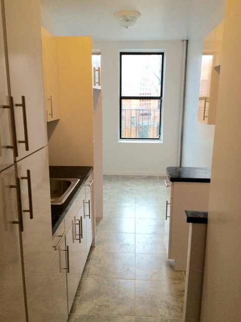 2 Bedrooms, Woodhaven Rental in NYC for $2,050 - Photo 2