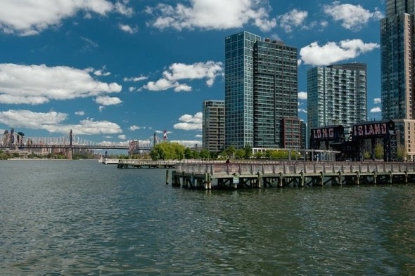 2 Bedrooms, Hunters Point Rental in NYC for $6,408 - Photo 1