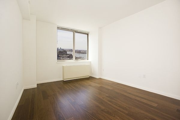 2 Bedrooms, Hell's Kitchen Rental in NYC for $3,450 - Photo 2
