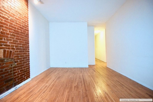 4 Bedrooms, Hell's Kitchen Rental in NYC for $4,495 - Photo 2