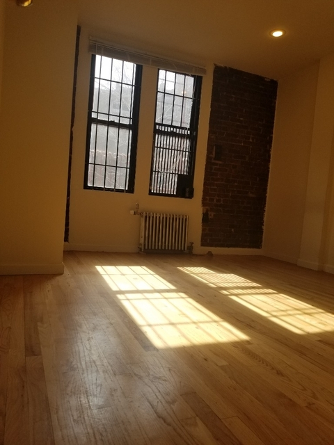 1 Bedroom, Carnegie Hill Rental in NYC for $2,450 - Photo 2